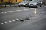 Krakowski most wstydu. Most Dębnicki dziurawy, jak ser szwajcarski!