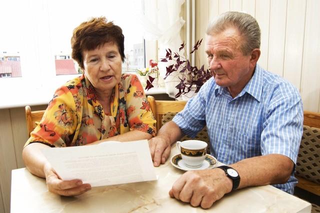 Starsi państwo zazwyczaj mają niskie emerytury. To dlatego muszą liczyć się z każdą złotówką