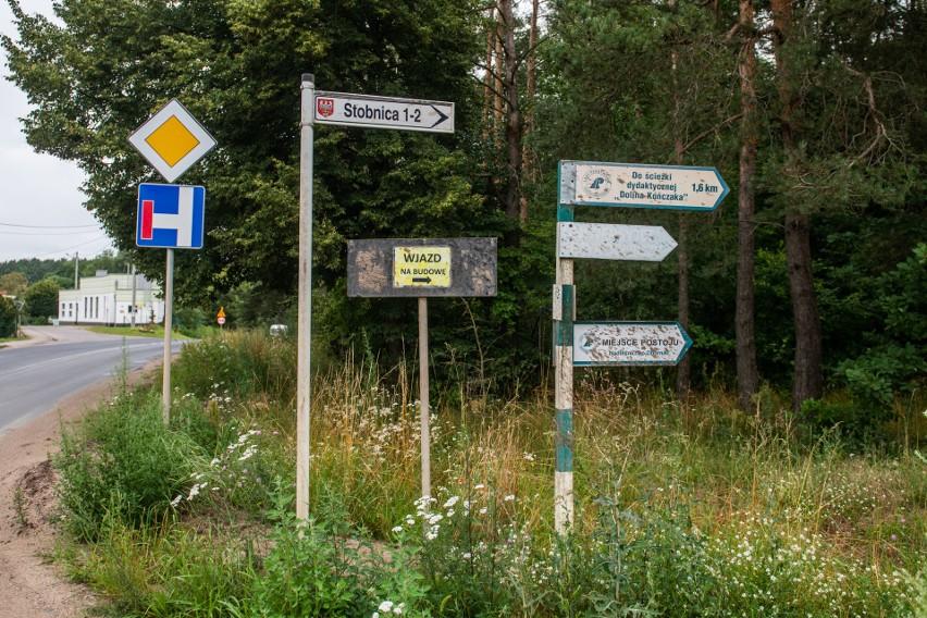 Stobnica to niewielka wioska położona w powiecie obornickim...