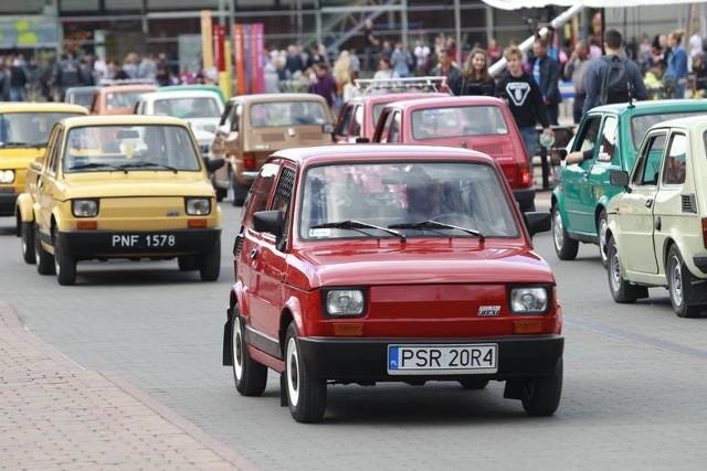 4 września 1973 r. na ulicach Poznania pojawiły się pierwsze prywatne fiaty 126p. Otrzymali je przodujący robotnicy dużych zakładów pracy.