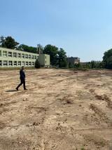 Trwają już prace przy budowie boiska w Ligocie Książecej. Kiedy będzie można z niego korzystać?