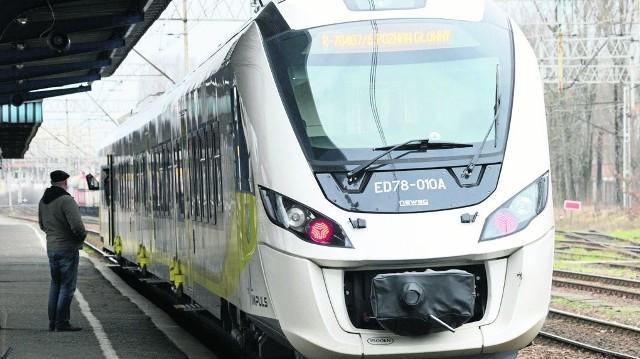 Połączenia kolejowe między Zieloną Górą a Gubinem zostały zawieszone w 2002 roku