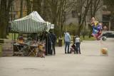 Spokojna sobota w Parku Miejskim imienia Stanisława Staszica i nad zalewem w Kielcach. Wiatr nie zachęcał do spacerów (ZDJĘCIA)
