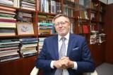 Prof. Bartoszek o ruchach antycovidowych: Lęk przejawia się poszukiwaniem łatwych recept, powstaje nowa prawda. Wiedza została zdegradowana