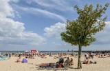 Te plaże nad morzem są najładniejsze! Tu warto udać się na wakacje i urlop 2020. Oto TOP 10 plaż z Pomorza