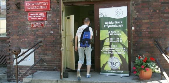 Na sześciu wydziałach Uniwersytetu Szczecińskiego trwa drugi nabór na studia stacjonarne. Sporo wolnych miejsc zostało m.in. na Wydziale Nauk Przyrodniczych.
