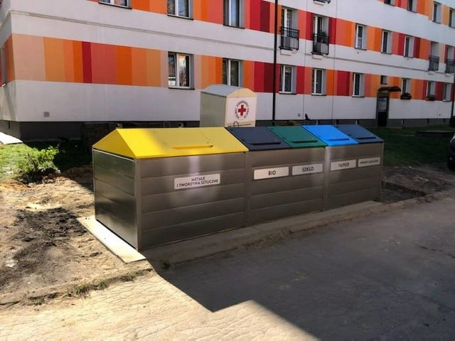 W Piekarach Śląskich będzie więcej pojemników półpodziemnych na śmieci.