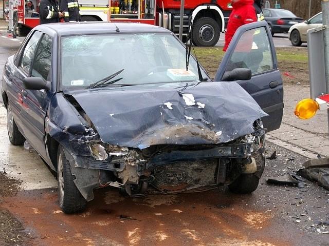 na Branickiego. Poszkodowany kierowca forda był pijany