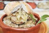 Obiad mięsny. Zobacz, co można zrobić z wieprzowiny wołowiny i drobiu. TOP 10 pomysłów na mięsne dania [PRZEPISY]!