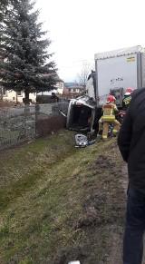 Wypadek w Skawie. Tir niemal zmiażdżył samochód osobowy na drodze krajowej [ZDJĘCIA]
