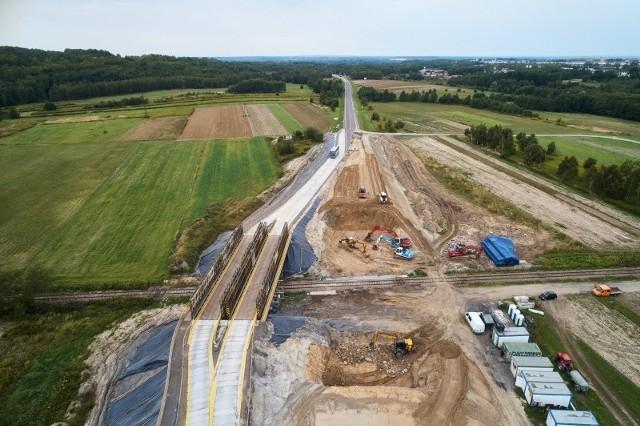 DK9 budowa wiaduktu m. Chmielów.
