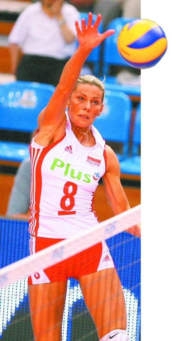 Świeniewicz to jedna z najbardziej utytułowanych polskich siatkarek. Była mistrzynią Europy w 2003 i 2005 roku.
