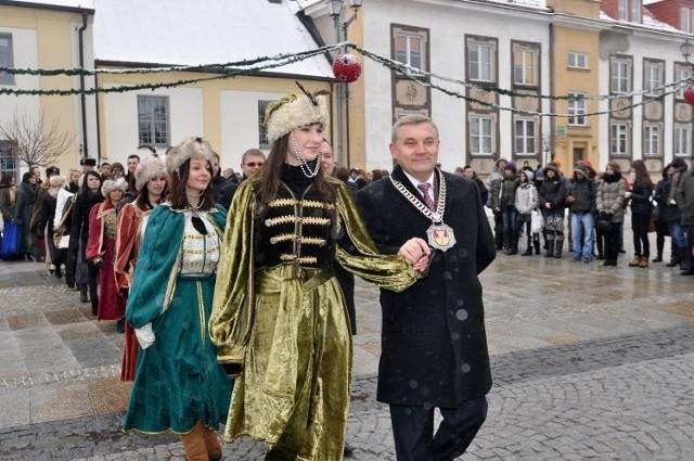Prezydent Białegostoku Tadeusz Truskolaski zatańczy w pierwszej parze