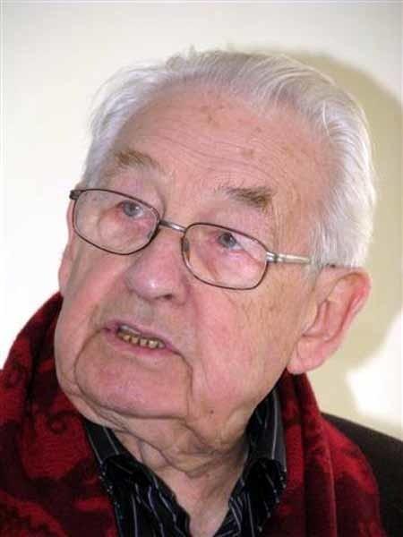 Andrzej Wajda zaapelował do władz Kościoła o wycofanie się