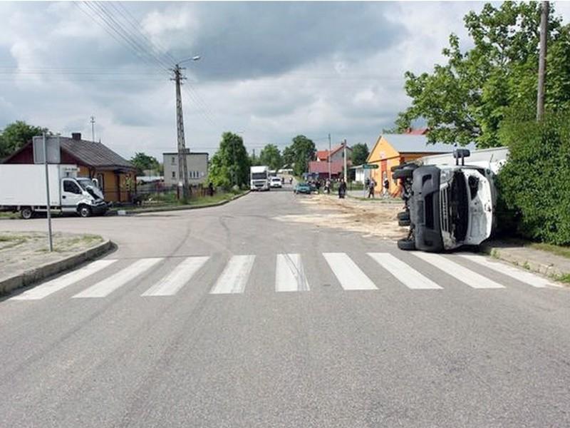 Topczewo: Wypadek: Zderzenie dwóch iveco (zdjęcia)