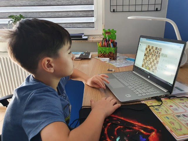 Rozgrywki Enea Operator Wirtualnej Międzyszkolnej Ligi Szachowej cieszą się dużym powodzeniem