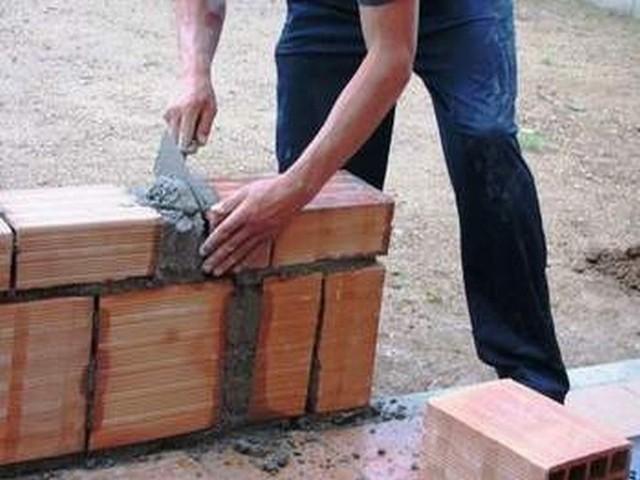 Zwycięzca przetargu będzie musiał najpierw zaprojektować blok, a potem go wybudować. Do niego również będzie należało zagospodarowanie terenu wokół budynku.