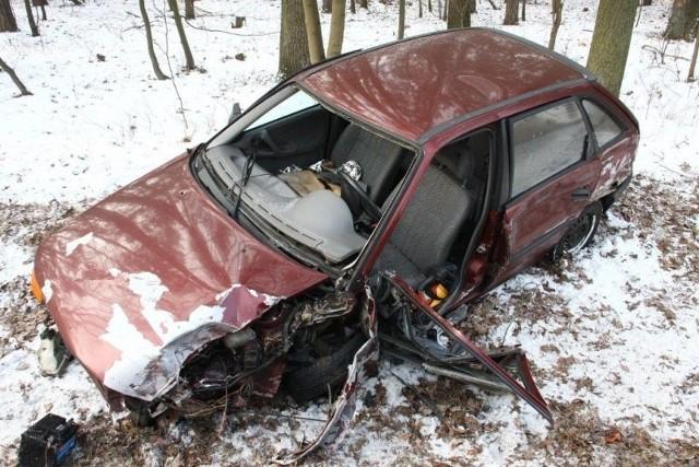 Kierująca oplem została odwieziona do szpitala.