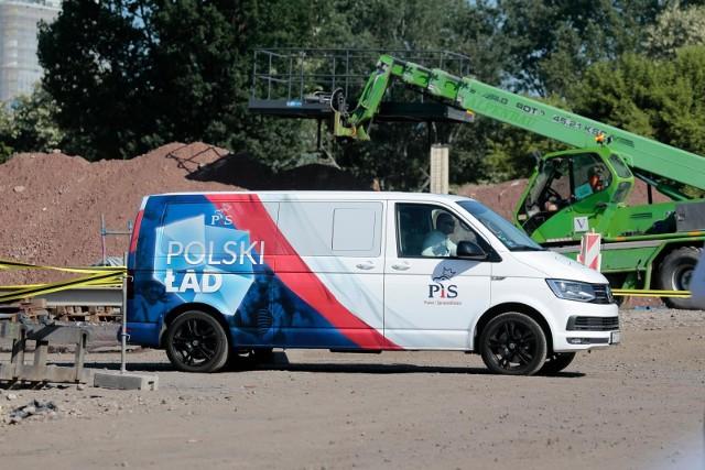 """Ponad połowa Polaków nie wierzy, że zmiany wprowadzone przez """"Polski Ład"""" będą korzystne. Najnowszy sondaż"""