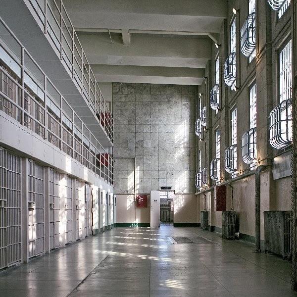 Sąd Rejonowy zastosował wobec sprawców rozboju areszt tymczasowy na 3 miesiące. Aresztowani mężczyźni to mieszkańcy Inowrocławia 34- letni Sławomir M. i 22-letni Damian B.
