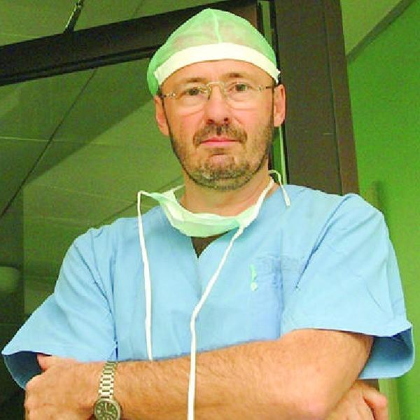 Wojciech Zegarski jest kierownikiem Kliniki Chirurgii Onkologicznej CM UMK, przewodniczącym Komitetu Organizacyjnego XIV Zjazdu Polskiego Towarzystwa Chirurgii Onkologicznej w Bydgoszczy