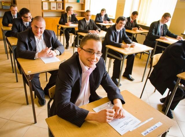 Egzamin zawodowy 2014 - PYTANIA, ODPOWIEDZI - EGZAMIN ZAWODOWY CKE 2014