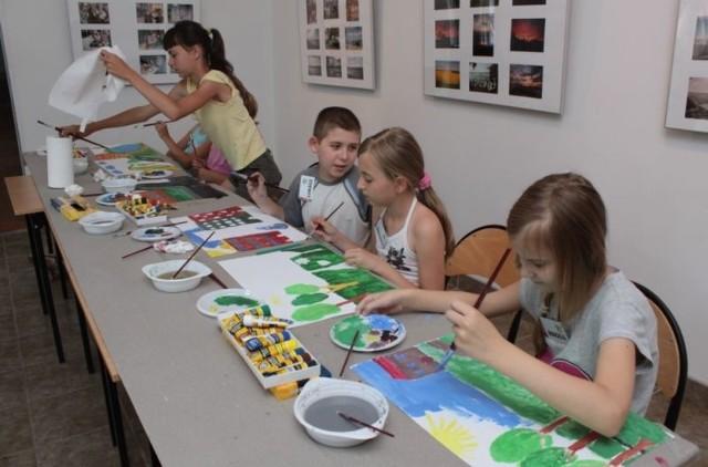 Dom Kultury w Łapach dla dzieci przygotował na wakacje ciekawą ofertę.