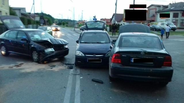 Do zdarzenia trzech samochodów osobowych doszło wczoraj po godz. 19 na skrzyżowaniu ulic Węglowskiego i 3-go Maja w Sędziszowie Małopolskim.