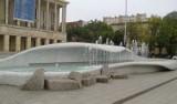 Fontanny w Łodzi. Czy na placu Dąbrowskiego wyburzą fontannę i w jej miejsce wybudują nową, ładniejszą?