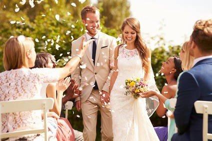 c056d97988 Sukienki na wesele 2019 – w co się ubrać na wesele  Jaką sukienkę wybrać