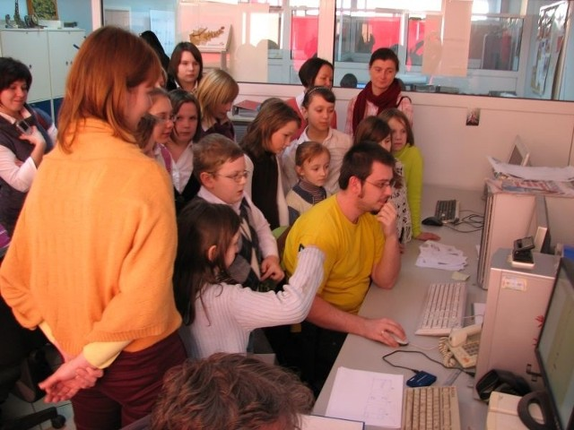 Następnie dzieci podejrzały naszą pracę w redakcji