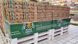 Auchan wycofuje ze sprzedaży jajka z chowu klatkowego. Takich jajek nie znajdziemy także w produktach markowych sieci