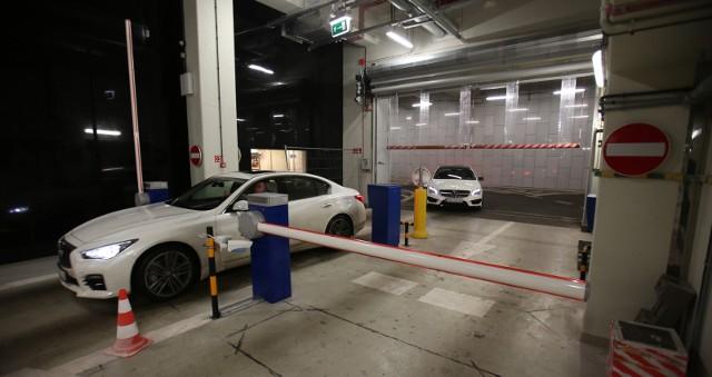 Szykują się zmiany w opłatach za parkowanie pod Narodowym Forum Muzyki we Wrocławiu.