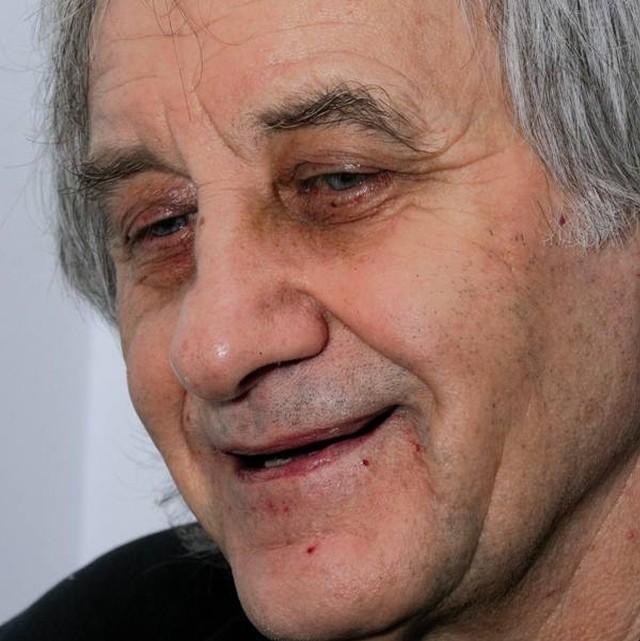 """Edward Redliński, autor książki """"Konopielka"""" urodził się 1 maja 1940 roku"""