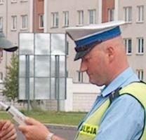 Policyjnej kontroli nikt nie uniknie. W alkomat musi dmuchać każdy kierowca.