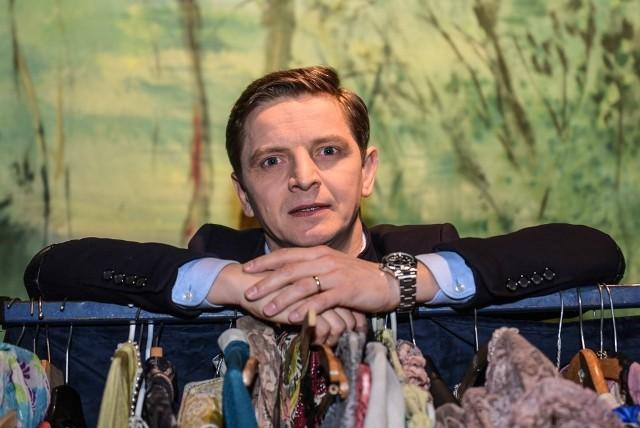 Przemysław Kieliszewski od trzech lata stoi na czele Teatru Muzycznego w Poznaniu. Zmienia jego formułę z operetkowej na musicalową