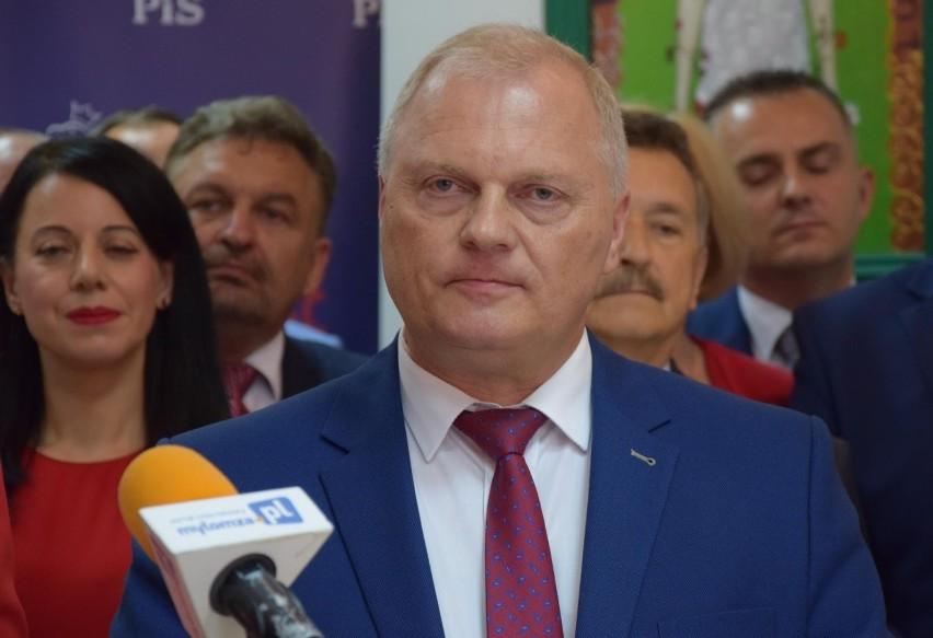 """Lech Kołakowski wraca do klubu PiS. Kaczyński: """"Nawet w..."""