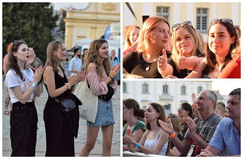New Pop Festival 2021. Bawiłeś się przed Pałacem Branickich? Znajdź się na zdjęciach!