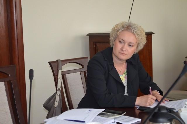 Marzena Baczyńska z urzędu marszałkowskiego miała co notować, bo uwag od radnych było wiele. Obiecała, że je przekaże