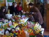 Dzieci sprzedawały własnoręcznie zrobione ozdoby