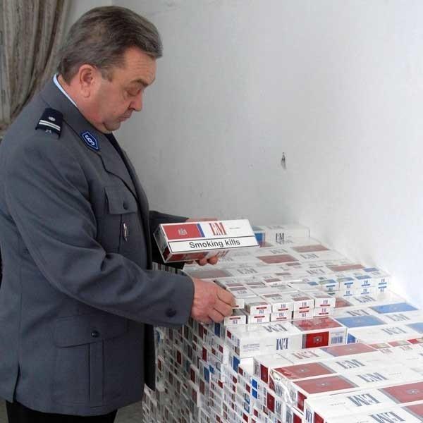Papierosy odebrane przemytnikowi trafiły do policyjnego magazynu.