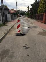 Dziura w jezdni łatana dopiero po dwóch tygodniach. A mieszkańcy zwracali uwagę na niebezpieczeństwo