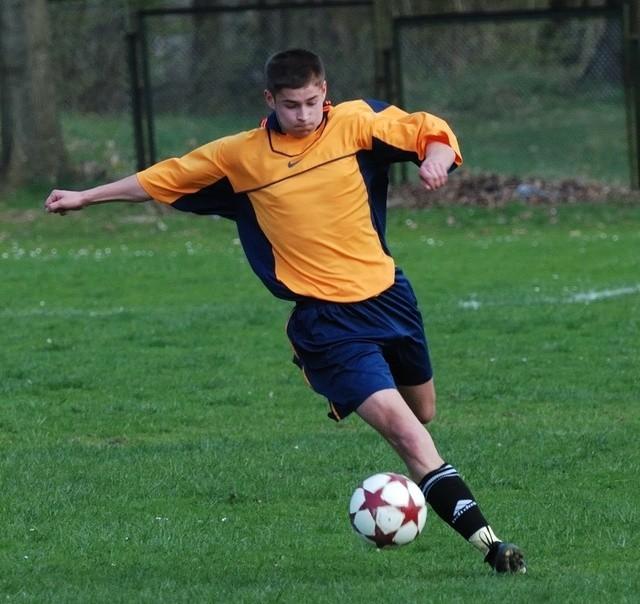 Patryk Rajkowski asystował przy golu dla Gryfa.