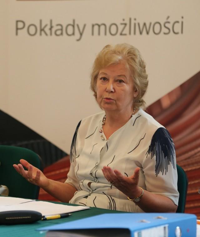 Ewa Michnik tłumaczyła dziennikarzom, że przy umowach sponsorskich we wrocławskiej Operze nie złamano prawa