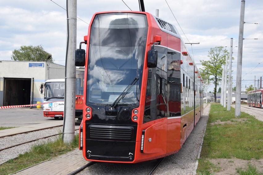 Pierwszy z tramwajów twist drugiej generacji kursuje już po...