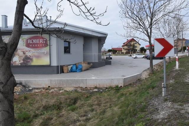 Przypomnijmy, że wkrótce zostanie otwarty sklep tej sieci w Przyjmie, w gminie Miedziana Góra, w powiecie kieleckim. Trwają ostatnie przygotowania do uruchomienia Robert Market.