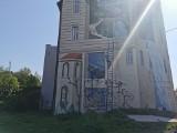 Wyjątkowy mural 3D na 1 Maja obok Senatora w Katowicach zniszczony. Ktoś zamalował znane dzieło street artu agencji Good Looking. Zdjęcia