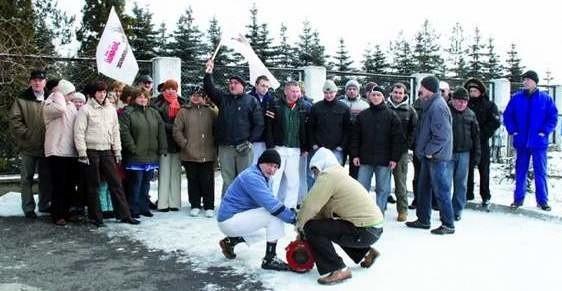 W lutym 2009, z powodu złej sytuacji ekonomicznej zakładu, dwa związki zawodowe działające w mleczarni ogłosiły strajk ostrzegawczy.