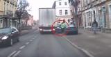 W Dębnie kobieta wysiadała z samochodu i.... tir wyrwał jej drzwi [WIDEO]