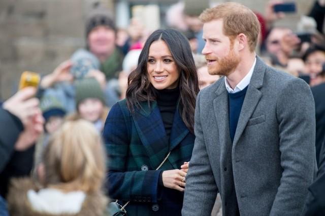 Harry i Meghan oficjalnie poza brytyjską rodziną krolewską